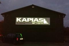 Grupa Kapias hala produkcyjna nocą